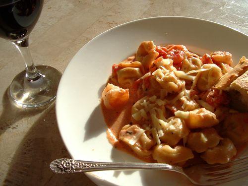Shrimp tortellini tomato cream sauce 1